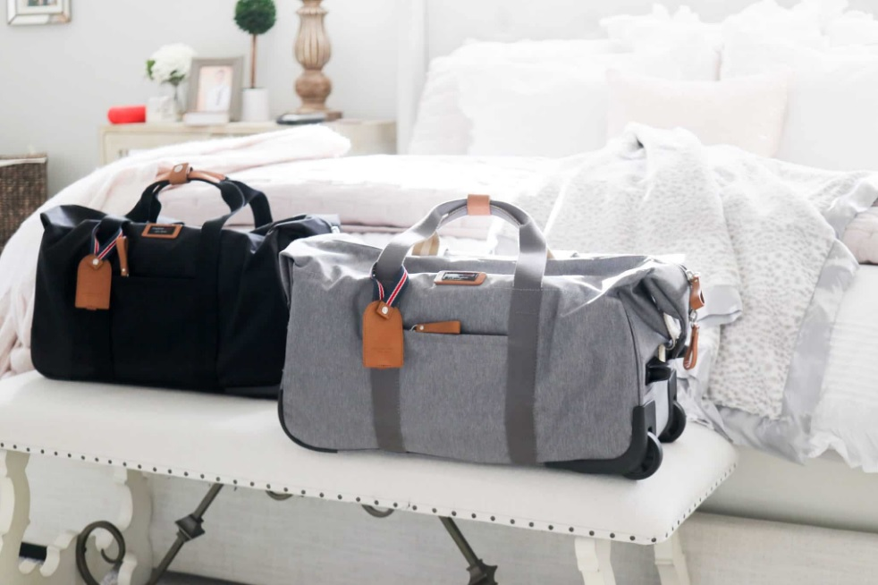Which Hospital Bag You Should Buy