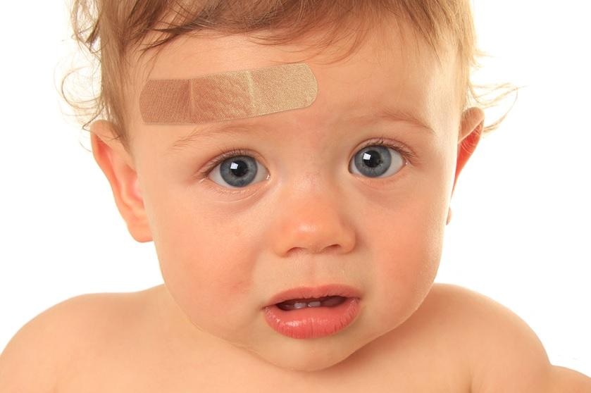 toddler hitting their head